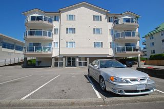 "Photo 1: 403 45729 GAETZ Street in Sardis: Sardis East Vedder Rd Condo for sale in ""EAGLE RIDGE"" : MLS®# R2182086"