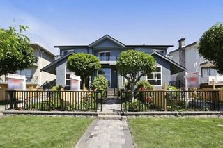 Photo 1: 264 E 9TH Street in North Vancouver: Central Lonsdale 1/2 Duplex for sale : MLS®# R2206867