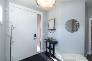 Photo 4: 2431 Ware Crescent in Edmonton: Zone 56 House for sale : MLS®# E4261491