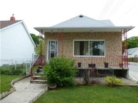 Main Photo: 880 ST MATTHEWS Avenue: Residential for sale (West End)  : MLS®# 1111896