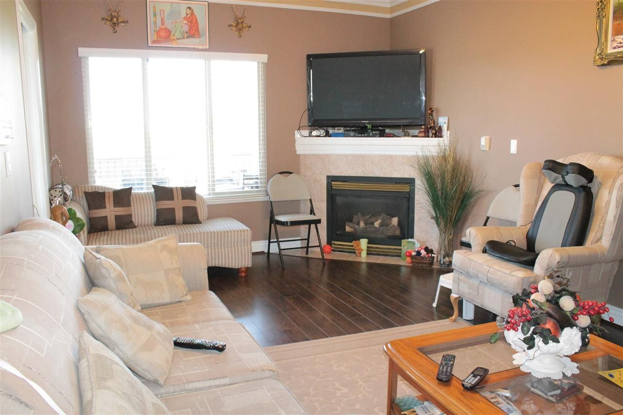 Photo 7: Photos: 6521 HOLLY PARK DRIVE in Delta: Holly House for sale (Ladner)  : MLS®# R2021898