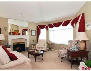 """Photo 3: 81 9208 208TH Street in Langley: Walnut Grove Townhouse for sale in """"CHURCHILL PARK"""" : MLS®# F2912038"""