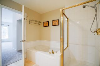"""Photo 27: 512 5262 OAKMOUNT Crescent in Burnaby: Oaklands Condo for sale in """"ST ANDREW IN THE OAKLANDS"""" (Burnaby South)  : MLS®# R2584801"""