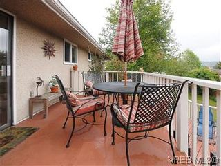 Photo 16: 104 Burnett Rd in VICTORIA: VR View Royal House for sale (View Royal)  : MLS®# 573220
