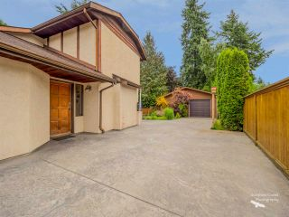 Photo 2: 5757 SURF Circle in Sechelt: Sechelt District House for sale (Sunshine Coast)  : MLS®# R2532538