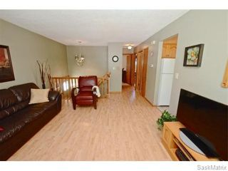 Photo 4: 6 BRUCE Place in Regina: Normanview Single Family Dwelling for sale (Regina Area 02)  : MLS®# 549323