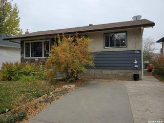 Photo 3: 50 19th Street East in Prince Albert: East Hill Residential for sale : MLS®# SK874088
