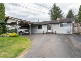 "Photo 1: 33232 PLAXTON Crescent in Abbotsford: Central Abbotsford House for sale in ""Mill Lake area"" : MLS®# R2156043"