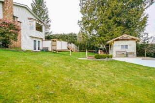 """Photo 40: 5749 189A Street in Surrey: Cloverdale BC House for sale in """"FAIRWAY ESTATES"""" (Cloverdale)  : MLS®# R2545304"""