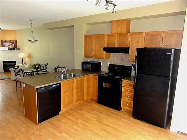 """Photo 4: Photos: # 2 6588 188TH ST in Surrey: Cloverdale BC Townhouse for sale in """"Hillcrest Place"""" (Cloverdale)  : MLS®# F1321944"""