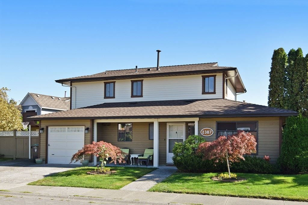 """Main Photo: 2387 WAKEFIELD Drive in Langley: Willoughby Heights House for sale in """"Langley Meadows"""" : MLS®# R2108888"""