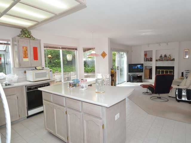 Photo 6: Photos: 284 BALBOA CT in Coquitlam: Cape Horn House for sale : MLS®# V1012990