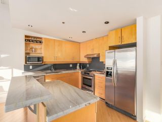 """Photo 11: 511 549 COLUMBIA Street in New Westminster: Downtown NW Condo for sale in """"C2C LOFTS"""" : MLS®# R2129468"""