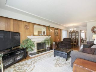Photo 2: 3175 E 23RD Avenue in Vancouver: Renfrew Heights House for sale (Vancouver East)  : MLS®# R2177505
