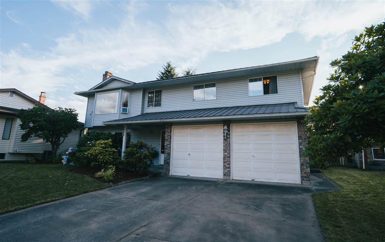 Photo 2: Photos: 3655 FIFE Place in Abbotsford: Central Abbotsford House for sale : MLS®# R2479390