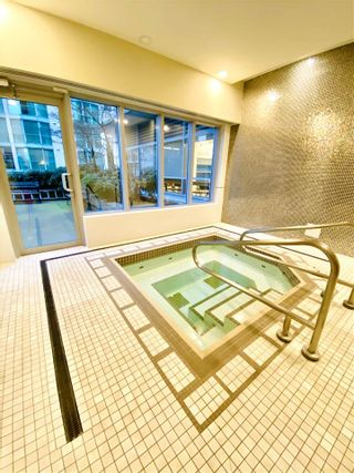 """Photo 13: 1902 821 CAMBIE Street in Vancouver: Downtown VW Condo for sale in """"RAFFLES"""" (Vancouver West)  : MLS®# R2432183"""