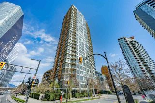"Photo 1: 307 33 SMITHE Street in Vancouver: Yaletown Condo for sale in ""COOPERS LOOKOUT"" (Vancouver West)  : MLS®# R2558372"