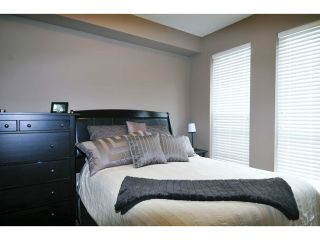 "Photo 11: 201 2343 ATKINS Avenue in Port Coquitlam: Central Pt Coquitlam Condo for sale in ""PEARL"" : MLS®# V1070597"