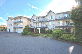 Photo 1: 307 2567 Victoria Street in Abbotsford: Abbotsford West Condo for sale : MLS®# R2590327