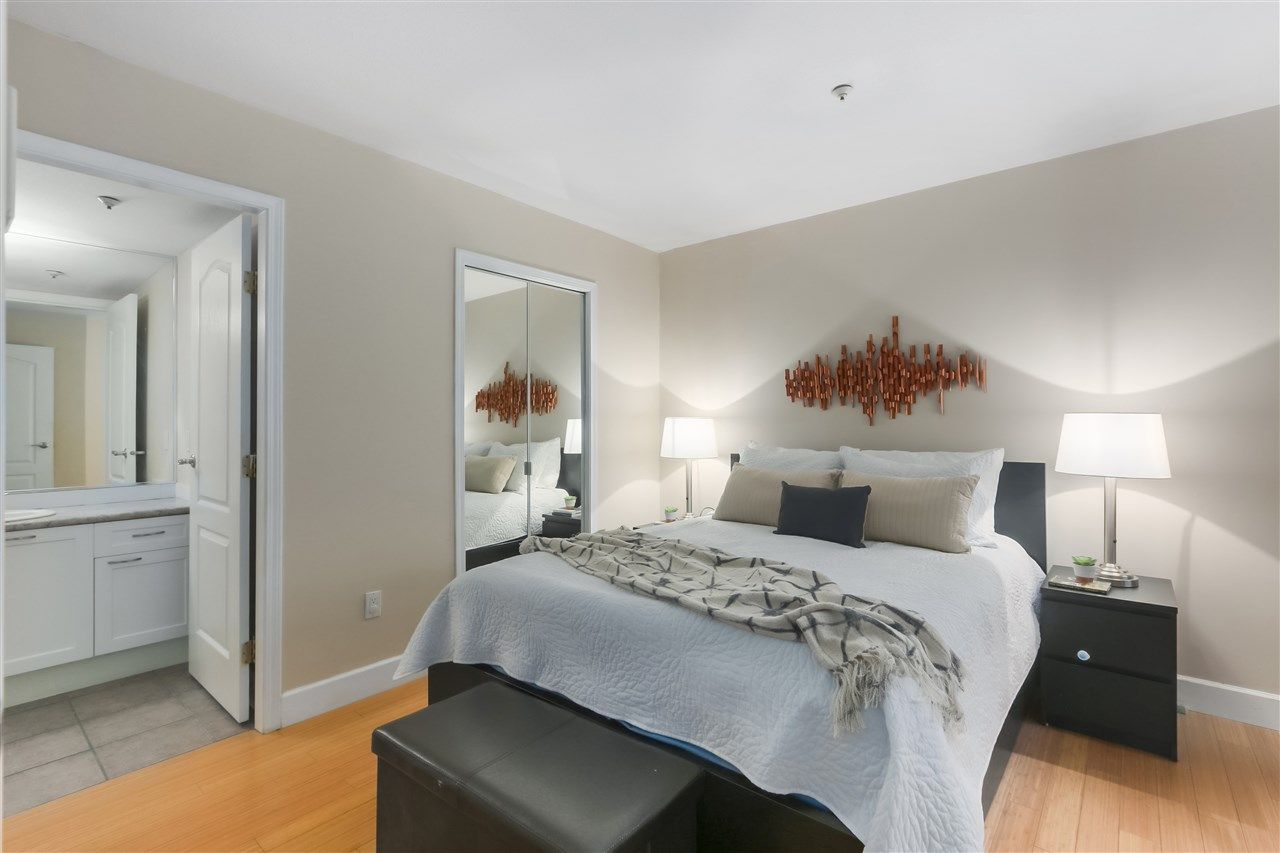 """Photo 9: Photos: 103 657 W 7TH Avenue in Vancouver: Fairview VW Townhouse for sale in """"THE IVYS"""" (Vancouver West)  : MLS®# R2348649"""