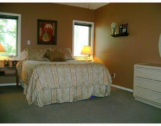 Photo 6: 330 QUEEN Street in WINNIPEG: St James Residential for sale (West Winnipeg)  : MLS®# 2814466