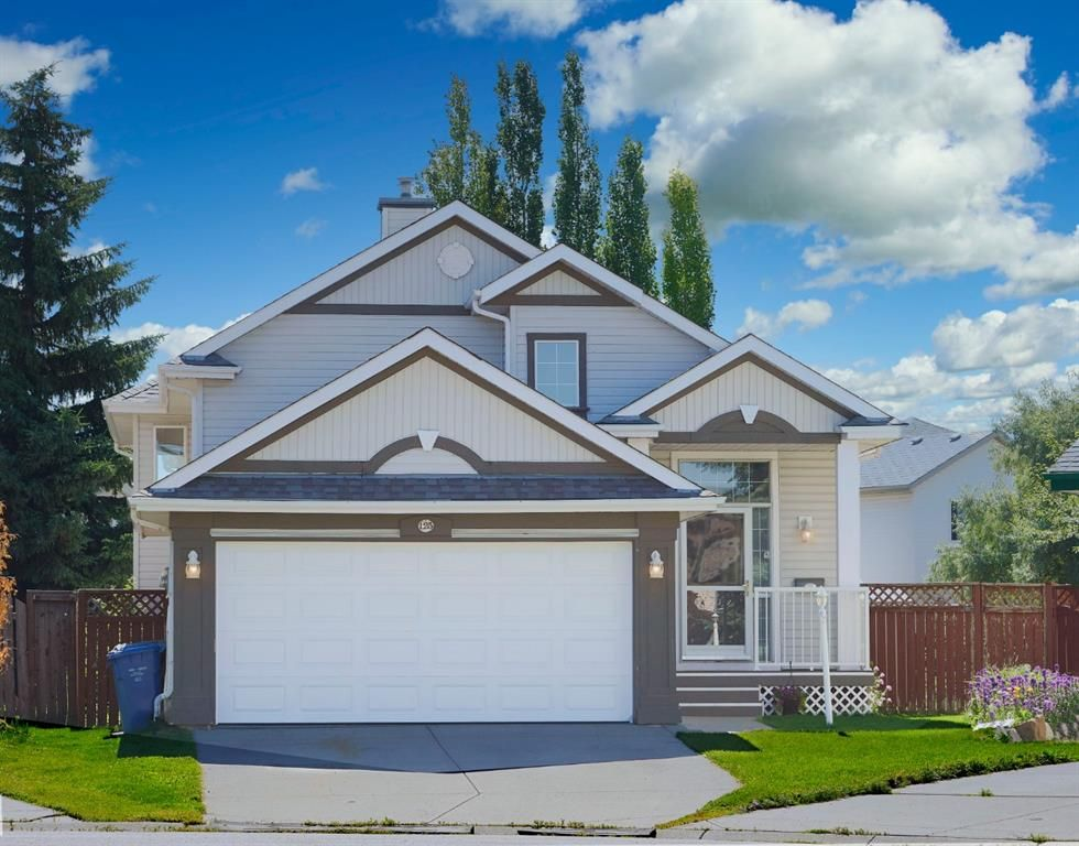 Main Photo: 125 Coventry Mews NE in Calgary: Coventry Hills Detached for sale : MLS®# A1017866