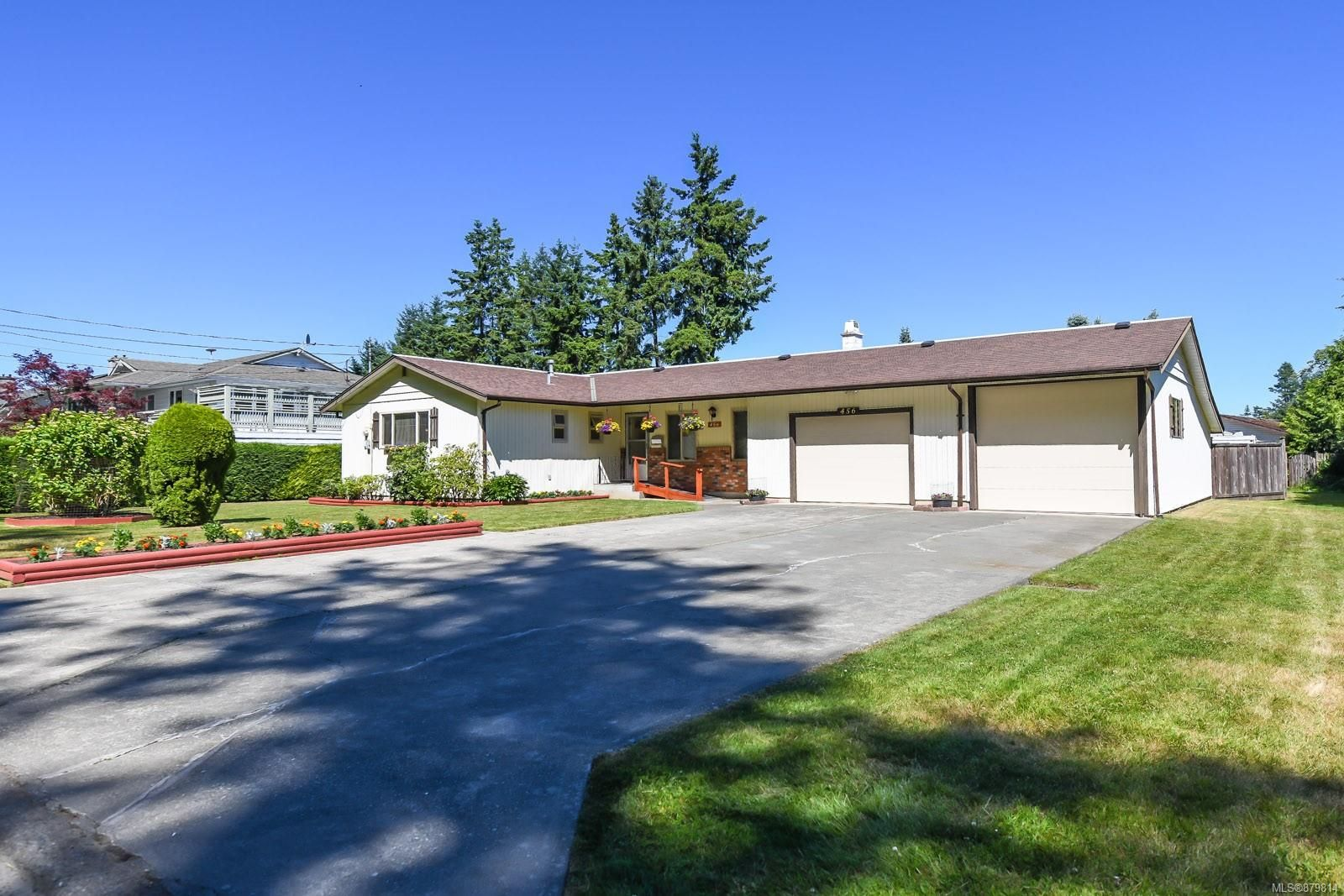 Main Photo: 456 Condor St in : CV Comox (Town of) House for sale (Comox Valley)  : MLS®# 879814
