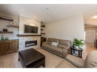 """Photo 6: 18186 66A Avenue in Surrey: Cloverdale BC House for sale in """"The Vineyards"""" (Cloverdale)  : MLS®# R2186469"""