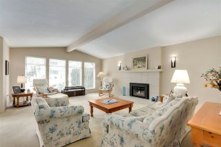 """Photo 4: 1853 HARBOUR Drive in Coquitlam: Harbour Place House for sale in """"HARBOUR PLACE"""" : MLS®# R2571949"""