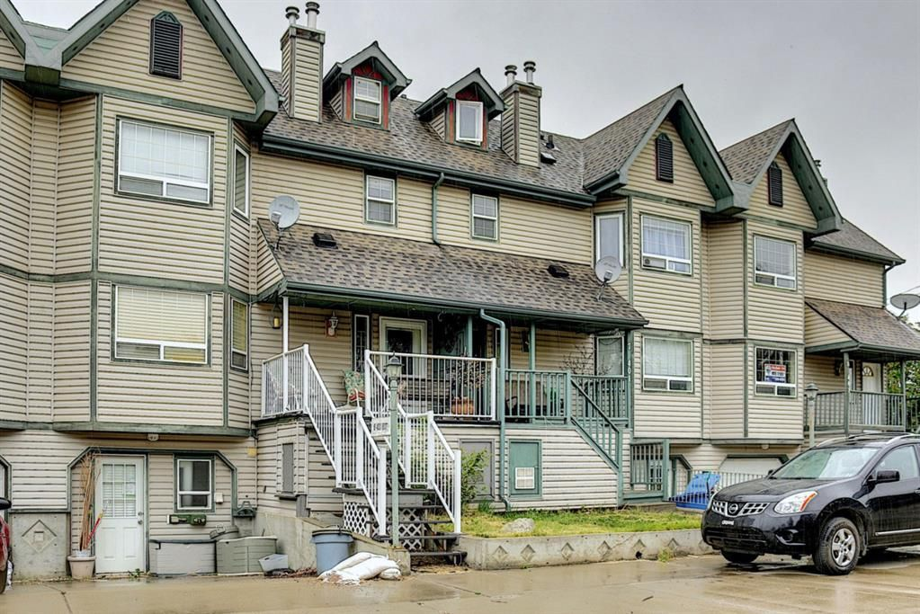 Main Photo: 6 401 6 Street: Beiseker Row/Townhouse for sale : MLS®# A1140300