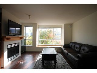 """Photo 3: 6727 VILLAGE Grove in Burnaby: Highgate Townhouse for sale in """"MONTEREY"""" (Burnaby South)  : MLS®# V977948"""