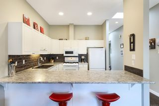 Photo 6: 38 677 Bunting Pl in : CV Comox (Town of) Row/Townhouse for sale (Comox Valley)  : MLS®# 870771