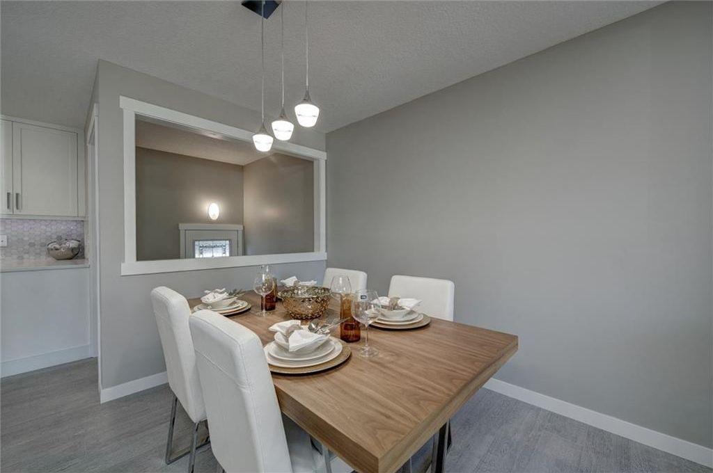 Photo 12: Photos: 210 OAKMOOR Place SW in Calgary: Oakridge House for sale : MLS®# C4111441