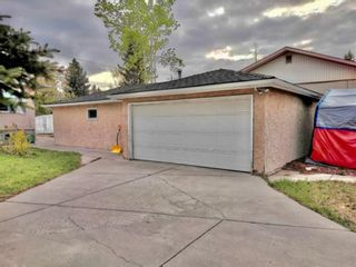 Photo 3: 4815 Vienna Drive NW in Calgary: Varsity Detached for sale : MLS®# A1066076