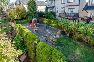 """Photo 12: 70 19932 70 Avenue in Langley: Willoughby Heights Townhouse for sale in """"Summerwood"""" : MLS®# R2114626"""