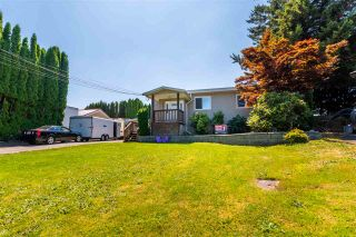 """Photo 2: 45640 NEWBY Drive in Chilliwack: Sardis West Vedder Rd House for sale in """"SARDIS"""" (Sardis)  : MLS®# R2481893"""