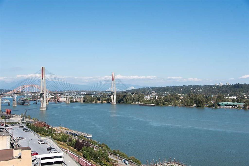 """Main Photo: 2103 668 COLUMBIA Street in New Westminster: Quay Condo for sale in """"TRAPP + HOLBROOK"""" : MLS®# R2298747"""