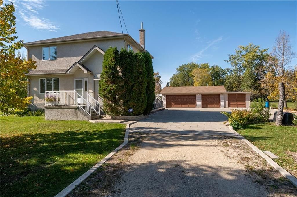 Main Photo: 5616 Main Street in St Andrews: R13 Residential for sale : MLS®# 202123812