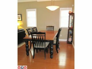 """Photo 3: 18 8717 159TH Street in Surrey: Fleetwood Tynehead Townhouse for sale in """"SPRINGFIELD GARDENS"""" : MLS®# F1011185"""