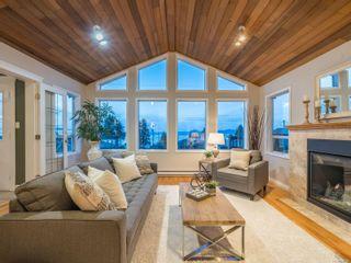 Main Photo: 266 W Crescent Rd in : PQ Qualicum Beach House for sale (Parksville/Qualicum)  : MLS®# 870045