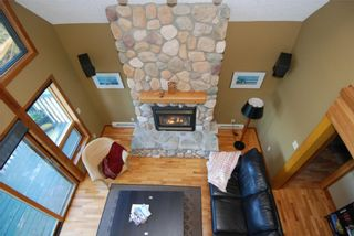 Photo 5: 6877 Mark Lane in Victoria: Residential for sale : MLS®# 274997