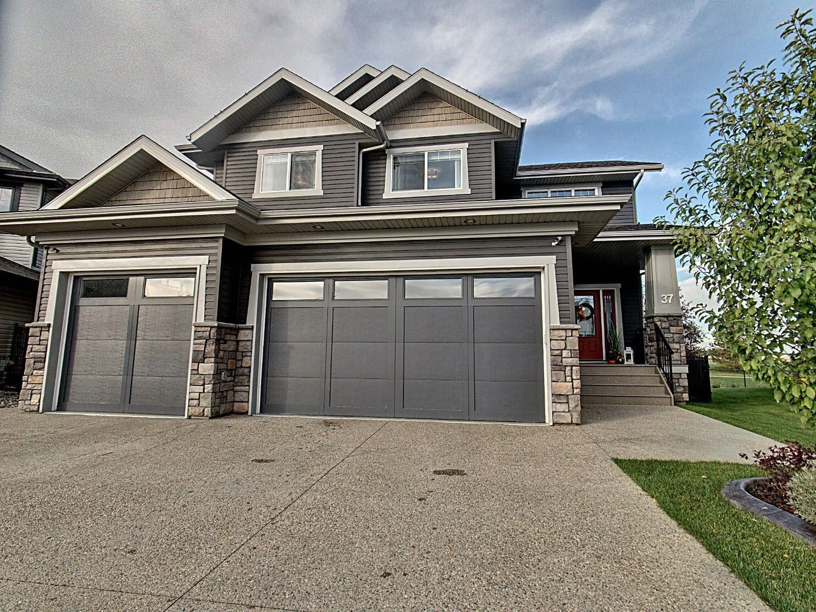 Main Photo: 37 DANFIELD Place: Spruce Grove House for sale : MLS®# E4263522