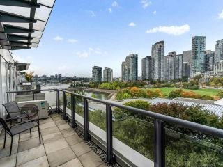 """Photo 18: 801 1383 MARINASIDE Crescent in Vancouver: Yaletown Condo for sale in """"COLUMBUS"""" (Vancouver West)  : MLS®# R2504775"""
