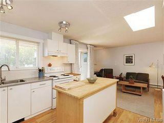 Photo 7: 405 445 Cook St in VICTORIA: Vi Fairfield West Condo for sale (Victoria)  : MLS®# 646008