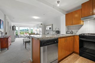 """Photo 10: 205 3082 DAYANEE SPRINGS Boulevard in Coquitlam: Westwood Plateau Condo for sale in """"THE LANTERNS DAYANEE SPRINGS"""" : MLS®# R2625528"""