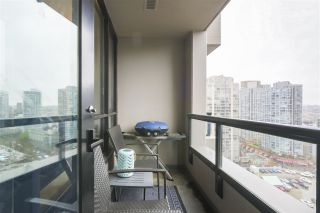 Photo 5: 1905 909 MAINLAND STREET in Vancouver: Yaletown Condo for sale (Vancouver West)  : MLS®# R2440557