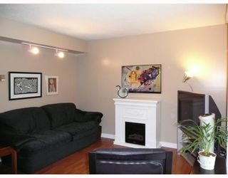 "Photo 6: 9 6245 SHERIDAN Road in Richmond: Woodwards Townhouse for sale in ""MAPLE TREE LANE"" : MLS®# V658473"