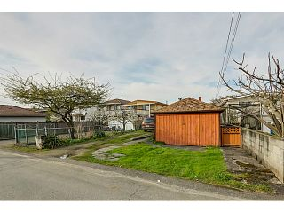 """Photo 12: 1288 E 26TH Avenue in Vancouver: Knight House for sale in """"CEDAR COTTAGE"""" (Vancouver East)  : MLS®# V1114314"""