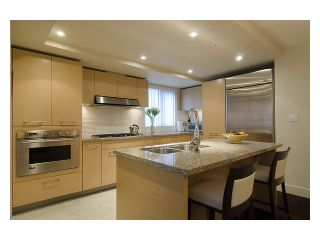 """Photo 5: 402 6018 IONA Drive in Vancouver: University VW Condo for sale in """"Argyll House West"""" (Vancouver West)  : MLS®# V988895"""