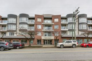 """Photo 1: 209 789 W 16TH Avenue in Vancouver: Fairview VW Condo for sale in """"SIXTEEN WILLOWS"""" (Vancouver West)  : MLS®# R2142582"""
